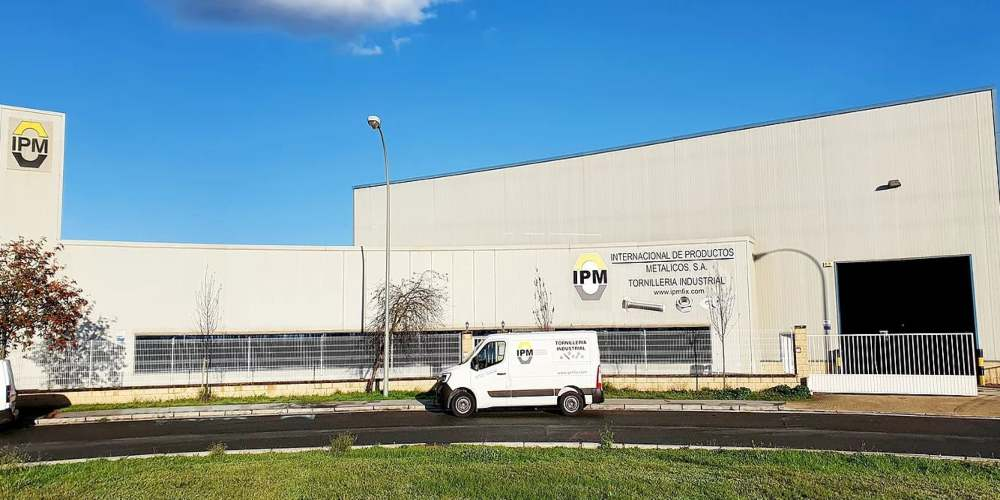 Fachada de la empresa IPM en Júndiz
