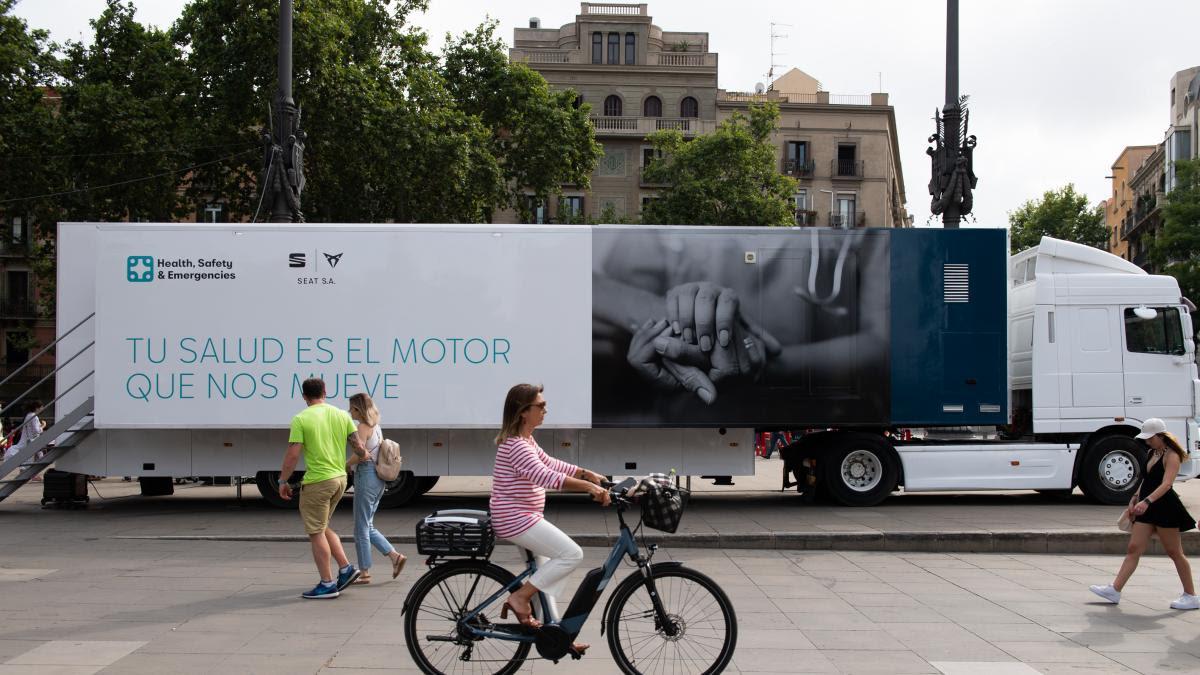 Unidad móvil de vacunación contra la Covid-19 en Barcelona